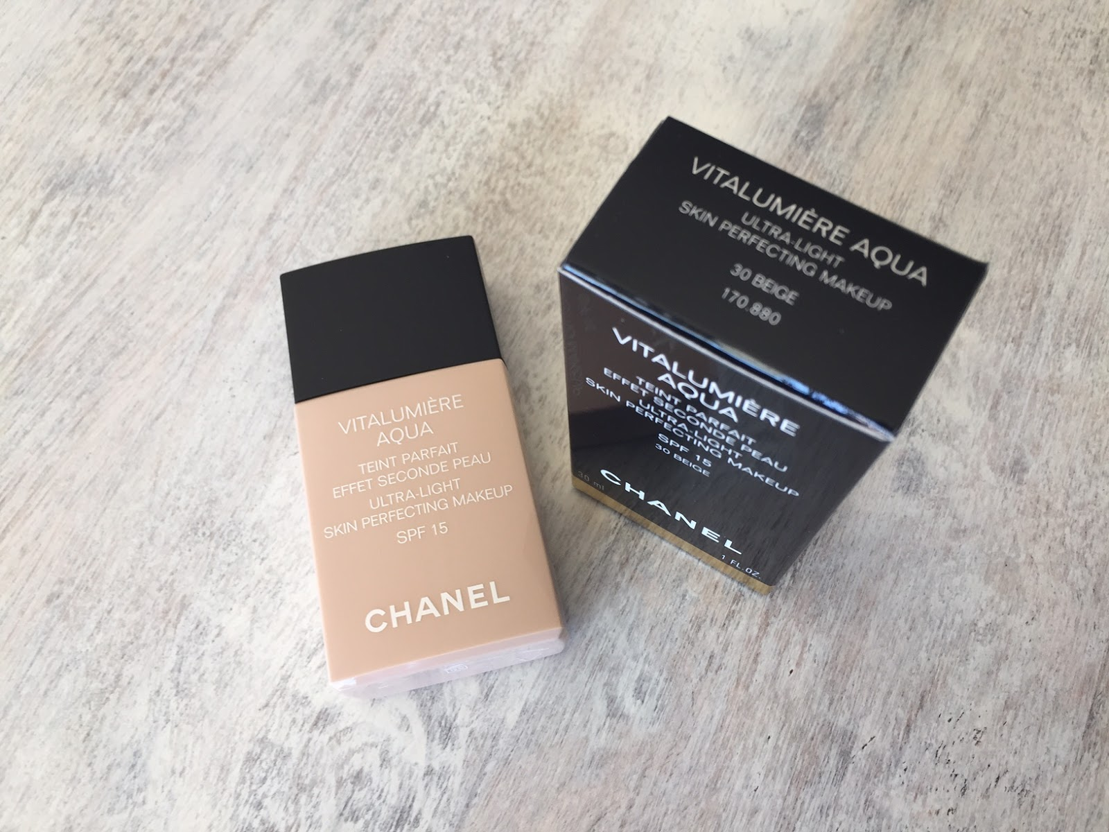 Keeping Up In Canberra Beauty Chanel Vitalumiere Aqua Beige 30 Vitalumire Ultra Light Skin Perfecting Makeup Spf 15 Note That The Packaging Is Similar To Perfection Lumiere Velvet Which I Do Not Like As Much