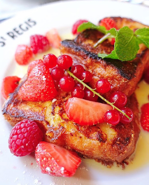 French Toast from Cafe Saint Regis in Paris - Sunday Brunch is a MUST when you are in Paris.