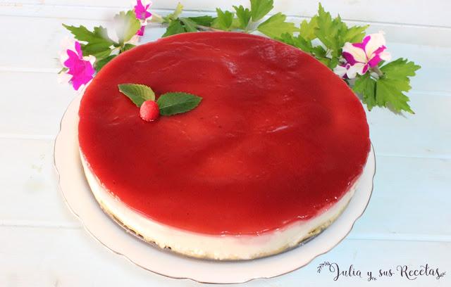 Tarta de cuajada y queso con mermelada de fresa o frambuesas. Julia y sus recetas