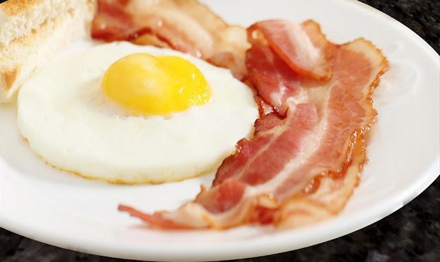 Bacon e ovos (Imagem: Reprodução/Goossen)