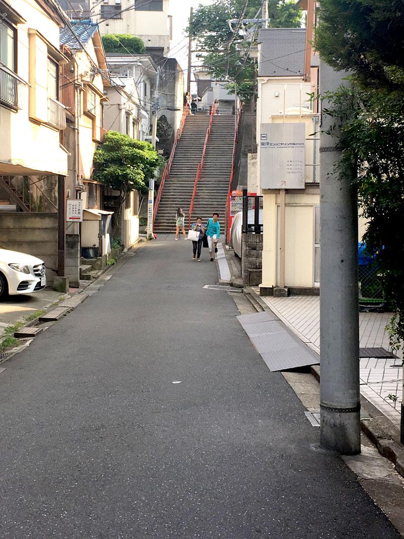『君の名は。』の聖地。須賀神社