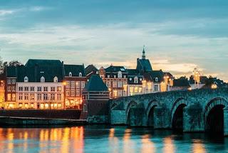 U bent welkom in onze sexbioscoop in Maastricht