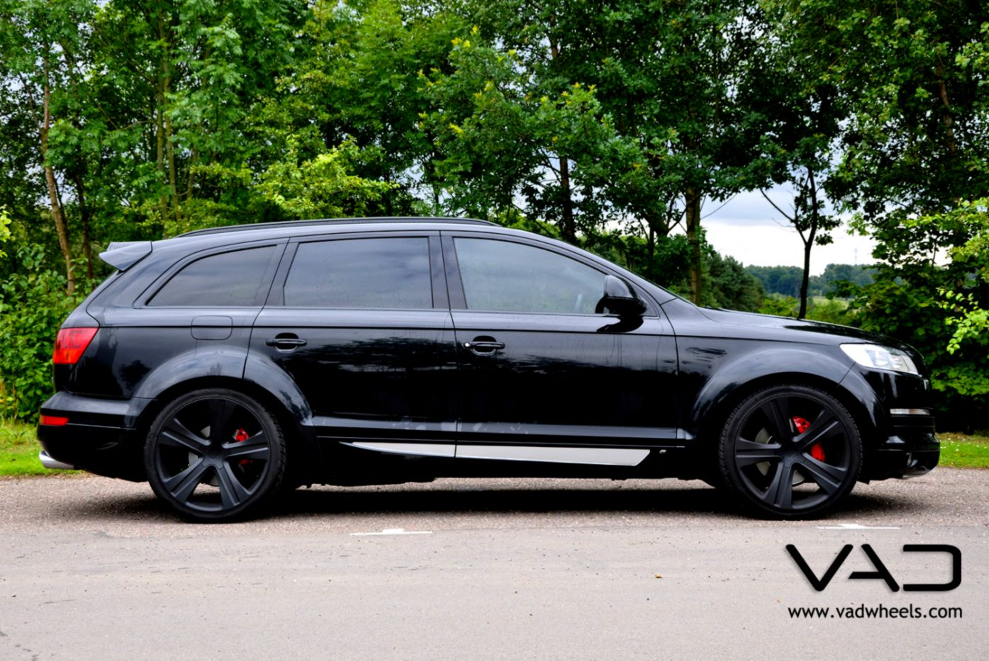 Audi Q7 Blacked Out Smart Wallpapers