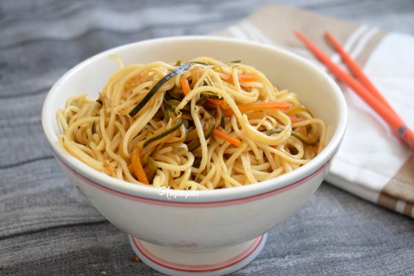Fideos Chinos con Verduras Salteadas (Chao Miáo)