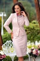 Compleu elegant sacou si rochie roz pudra