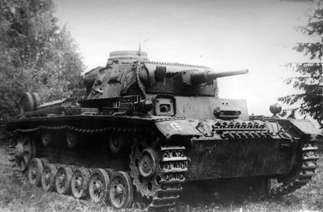 Tauchpanzer III на базе Pz.Kpfw.III Ausf.G на НИБТ Полигоне, конец августа 1941 года