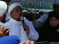 Disambut Haru Korban Banjir, Habib Rizieq: Kita Bantu Segala Keperluan, Tak Pandang Agama