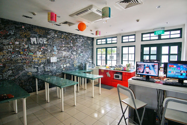 Sarapan di Footprints Hostel Singapore