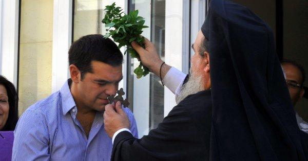 Ρωσία: «Ο Τσίπρας είναι ένας άθεος που έχει επιτρέψει τους g@y γάμους & καταργεί την προσευχή στα σχολεία»