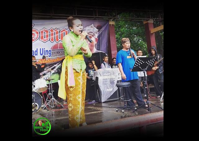 Mang Eep Hidayat dan Lurah Yuli Merdekawati menghaleuangkan Lagu GERENTES HATE
