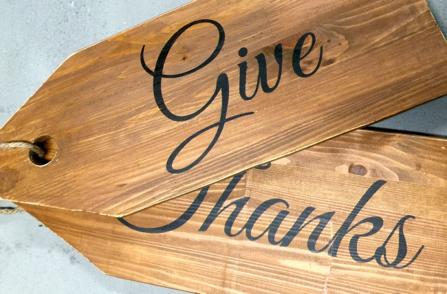 Wooden tags with stenciled Give Thanks