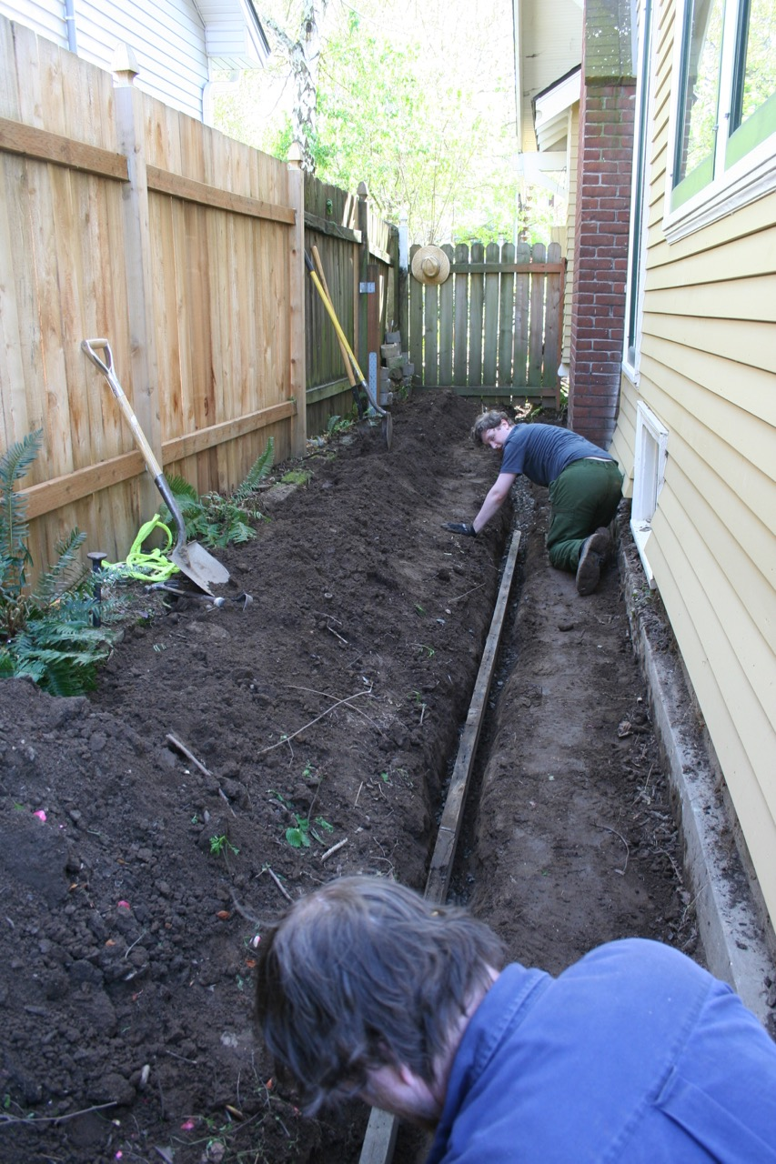 Laurelhurst craftsman bungalow installing a french drain for Yard drainage slope