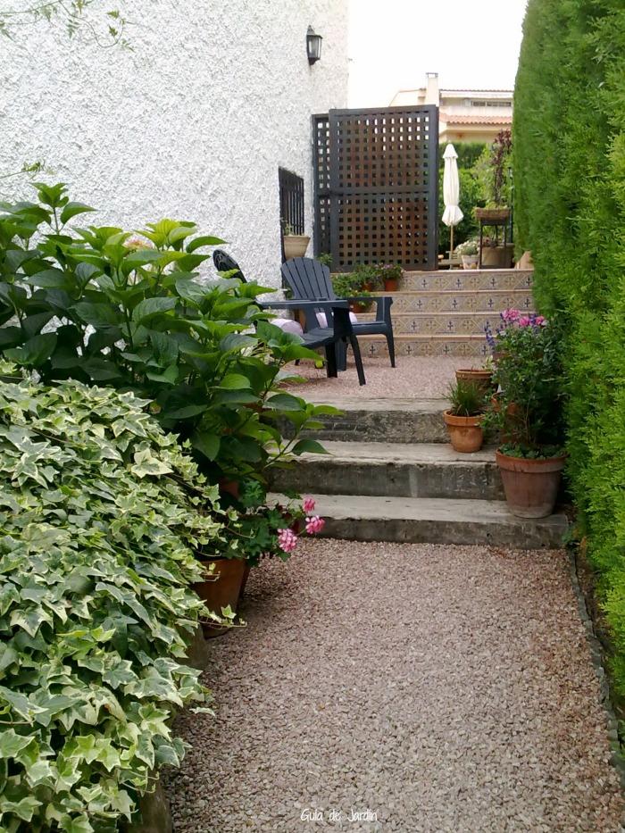 Pintar las verjas de hierro del jard n guia de jardin for Verjas para jardin