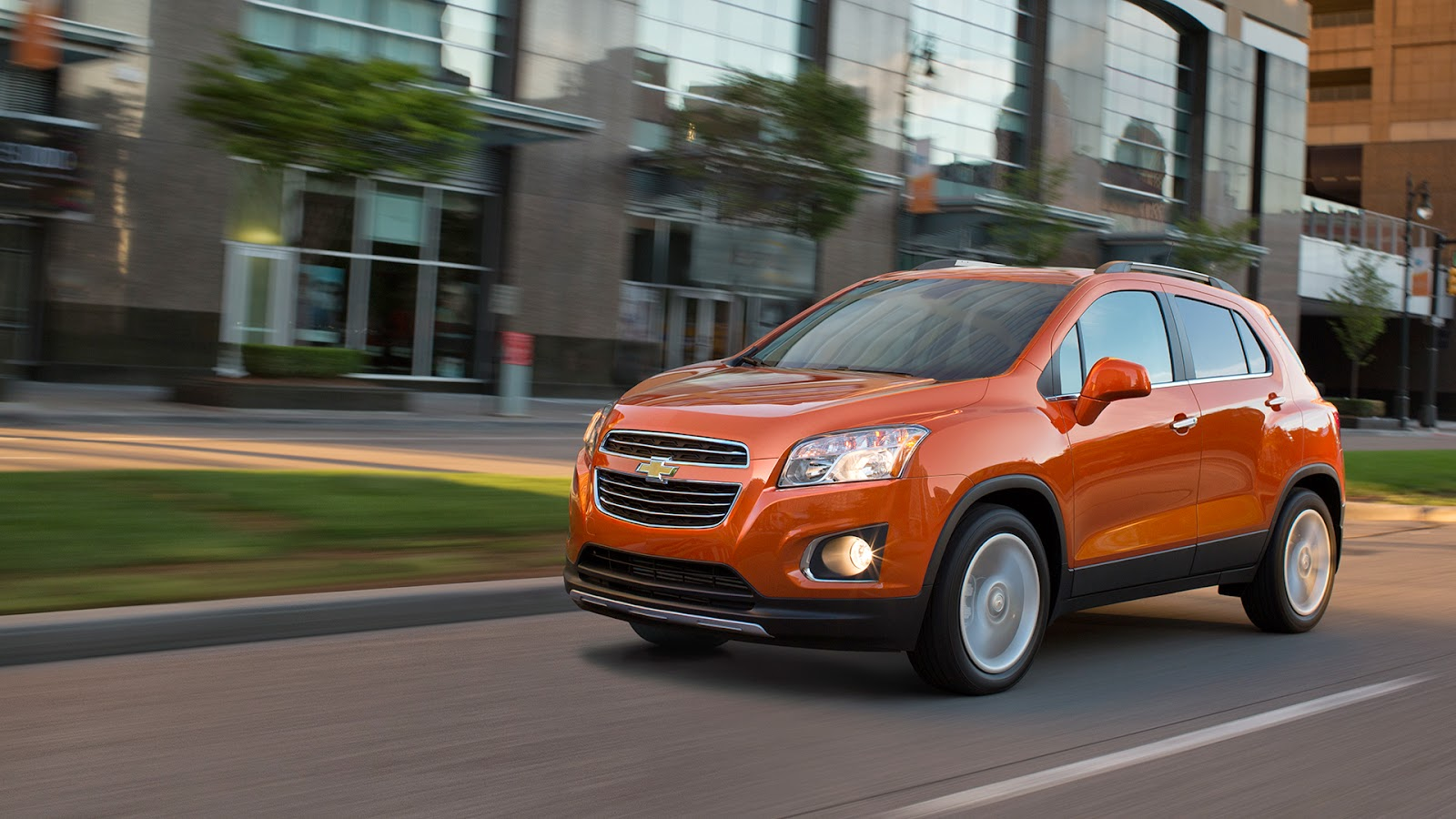 2015 Buick Encore and 2015 Chevrolet Trax Earn IIHS Top Safety Picks Awards