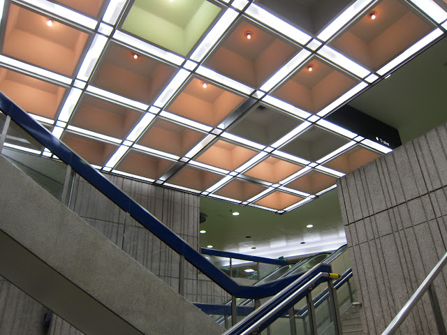 Central staircase between the streetcar and bus platforms, and the lower mezzanine level at St. Clair West