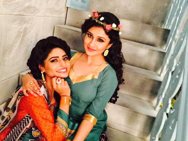 Antara Banerjee 2019 HD Wallpaper backless dress