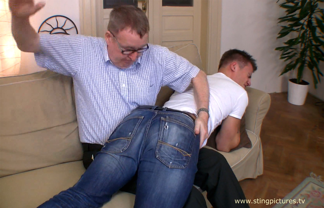Jeans spanked Story: Pull