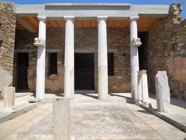 avli - dziedziniec Domu Trójzębu Delos Grecja