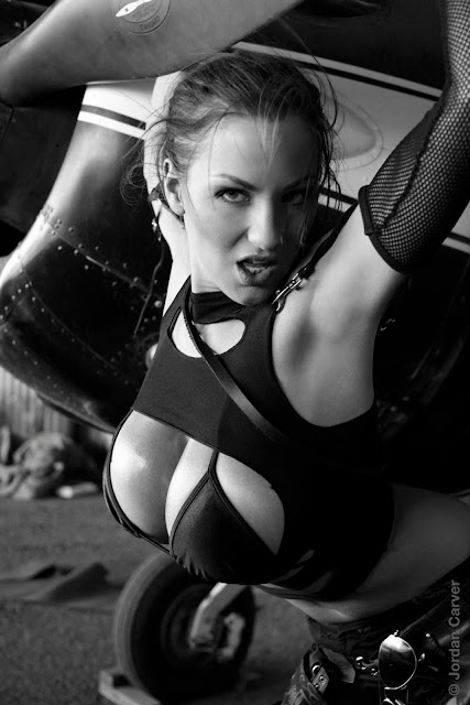 Jordan-Carver-Airplane-HD-Photoshoot-Image_8