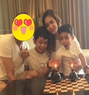 Bunga Zainal,Suami dan Anak