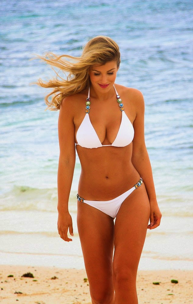 Amy Willerton hot bikini in Mauritius photo 1