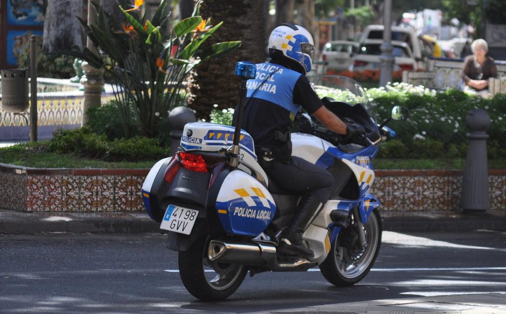 Resultado de imagen de policia local santa cruz