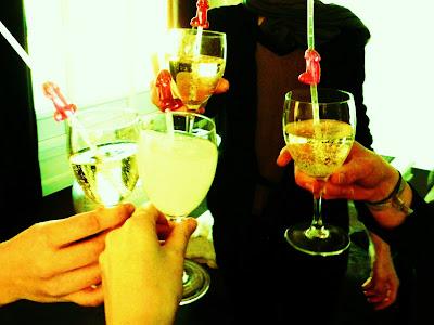 champagner drei mädels