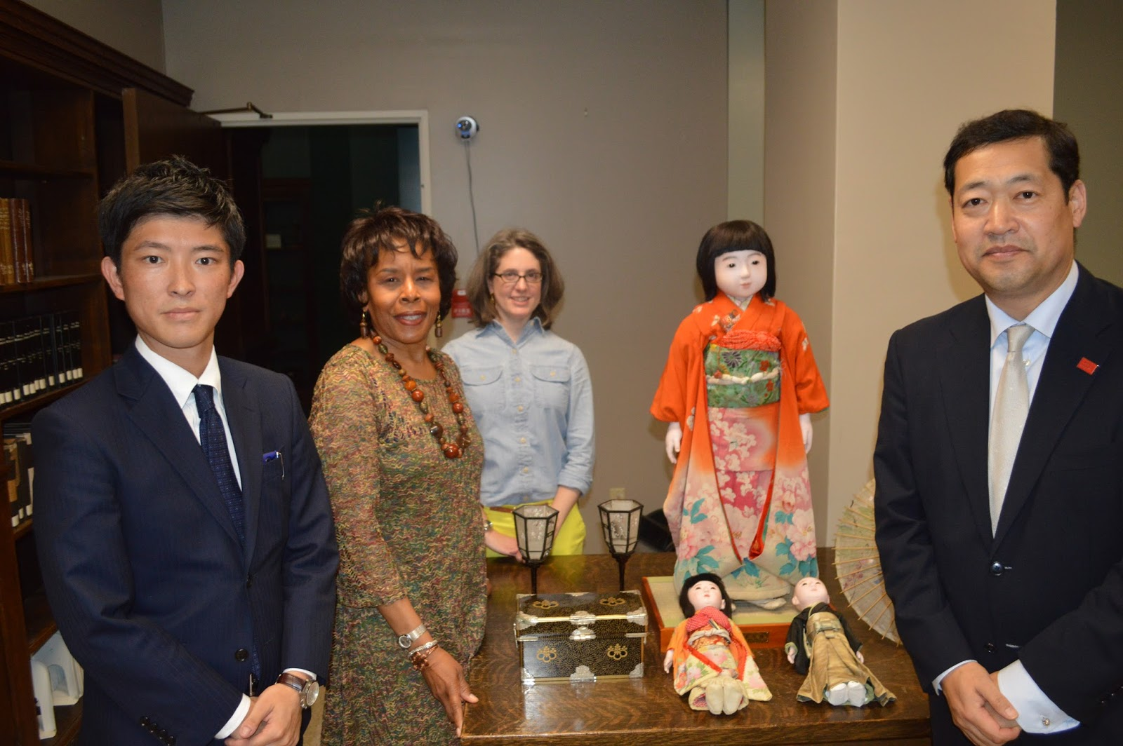photo of JETRO members and BPL staff with Miss Iwate