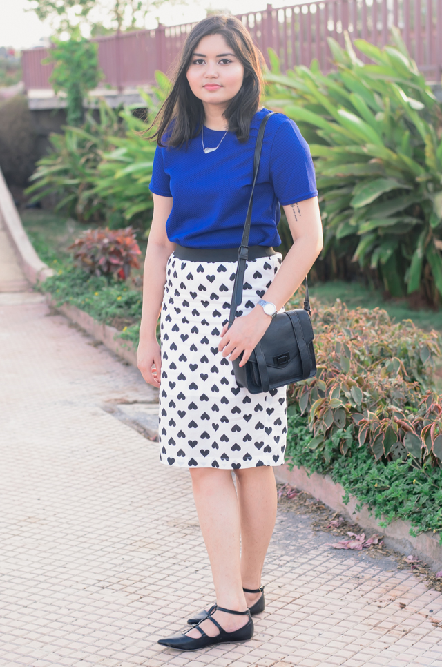 Blue Crop Top and Heart Printed Pencil Skirt Outfit
