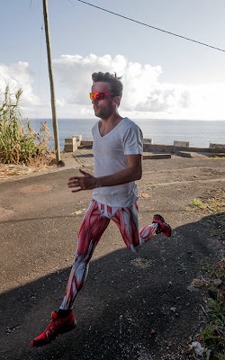 Licra para correr con anatomia de los músculos humanos impresos.