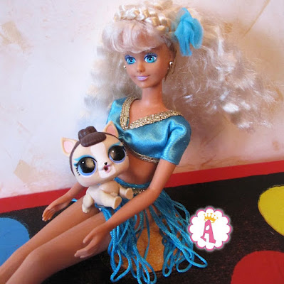 Игрушки Hasbro и MGA Синди с собачкой Лол Петс на руках