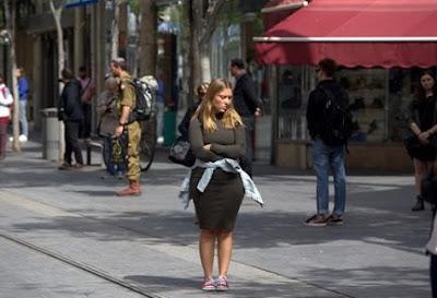 Israel para e lembra  vítimas do Holocausto