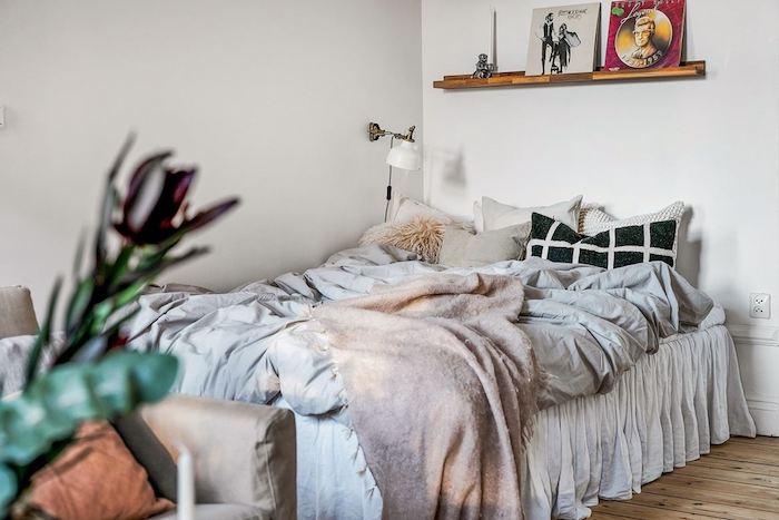 Como dar un aspecto juvenil y romántico a un apartamento antiguo, dormitorio.