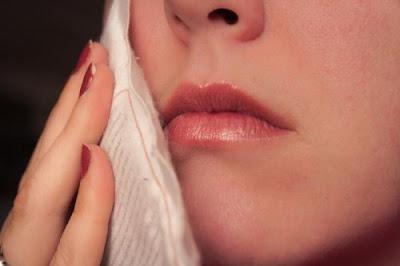 Răng khôn hàm trên bị đau phải làm sao