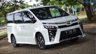 Kelebihan dan Kekurangan Mobil Toyota Voxy 2018