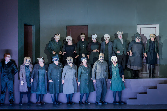 ENO Don Giovanni ENO Chorus (c) Robert Workman