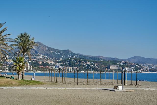 Costa del Sol poza sezonem jak plaże