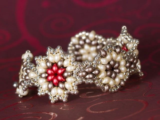 beaded flower or snowflake bracelet tutorial