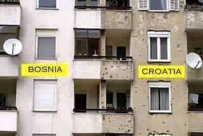 Bosna & Croatia World's Amazing Border Lines