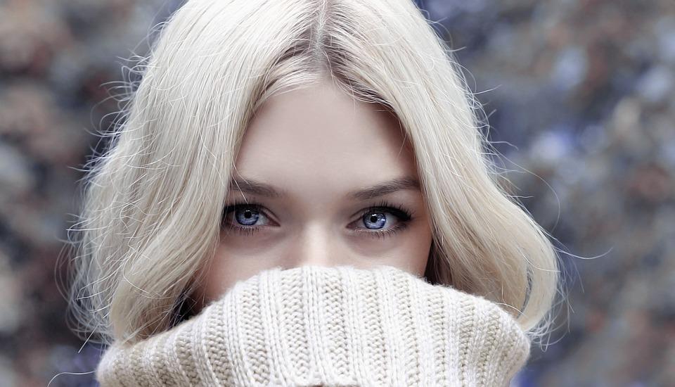 regard-rehausser-sublimer-lentilles-fantaisies-lentilles-contact-yeux