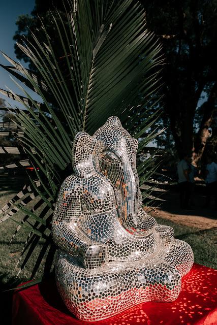 bird and boy real weddings byron bay nsw grace loves lace bride boho gypsy floral design