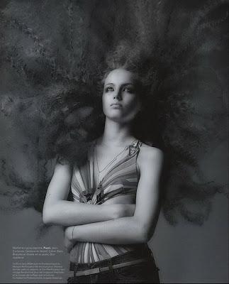 fotos blanco y negro de modelos con cabello largo
