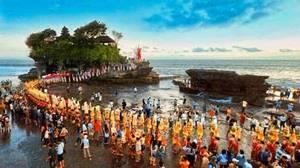 10 Tempat Wisata Religi Terpopuler di Indonesia yang Wajib Dikunjungi