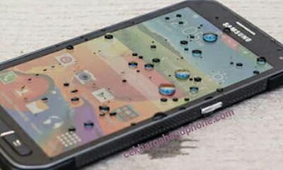 Handphone Android Anti Air Tercanggih 4