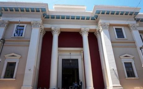 Έκθεση με αρχαία αντικείμενα στο δικαστικό μέγαρο της Πάτρας