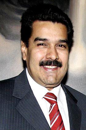 Nicolás Maduro sonriendo