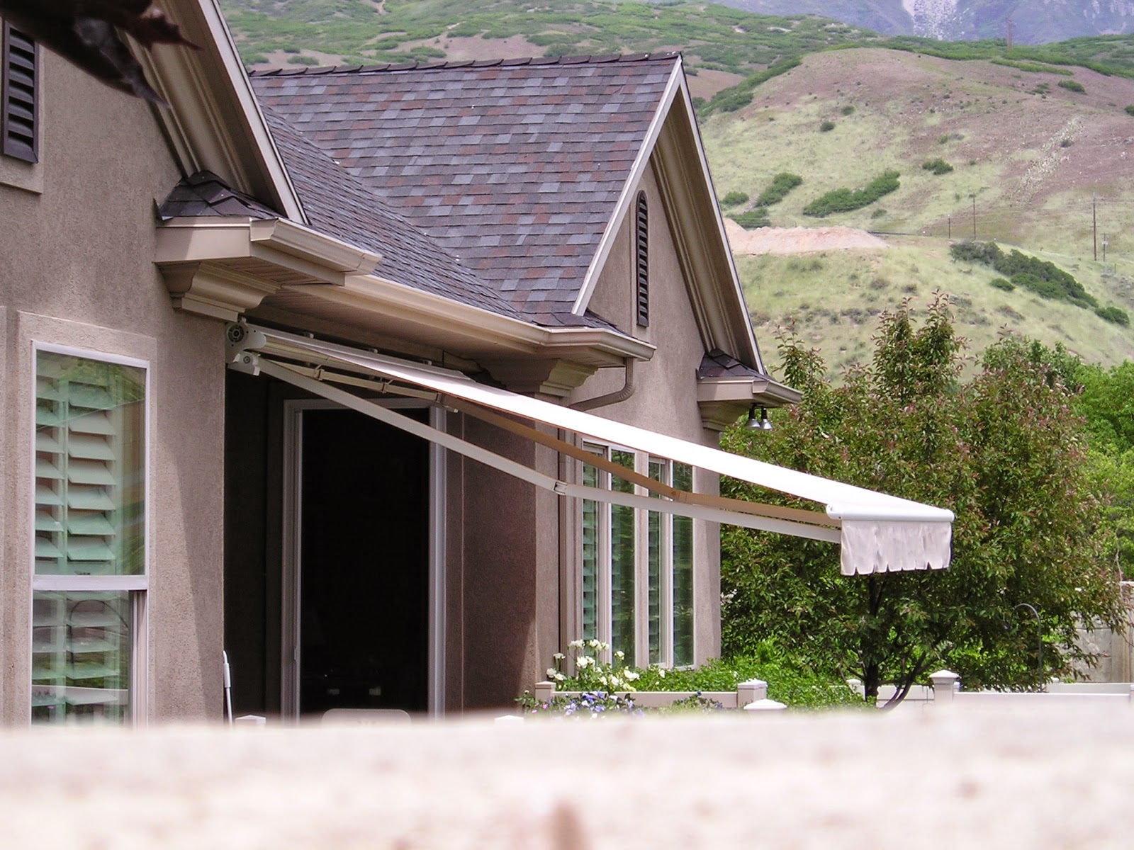 Huish S Awnings Pergolas More In Utah Custom Retractable
