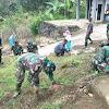 Bersama Masyarakat Desa Sungai Ning, Satgas TMMD ke 104 Bersihkan Masjid
