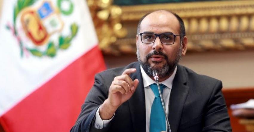 Ministro de Educación en desacuerdo con propuesta de toque de queda para menores de 17 años