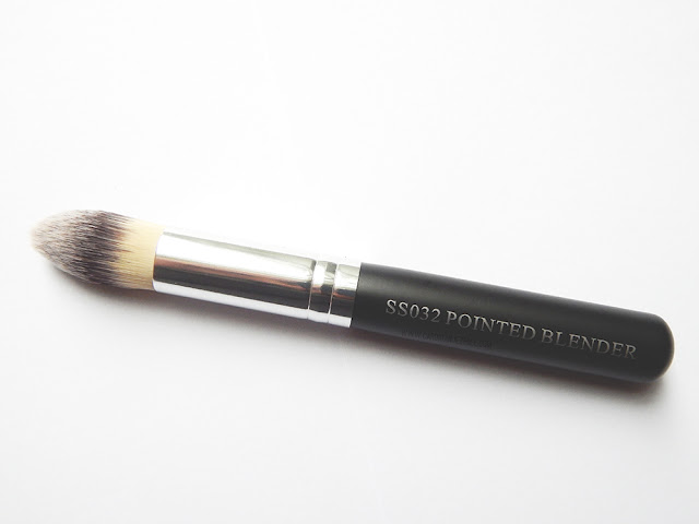 Crown Brush Palette and Brush Review